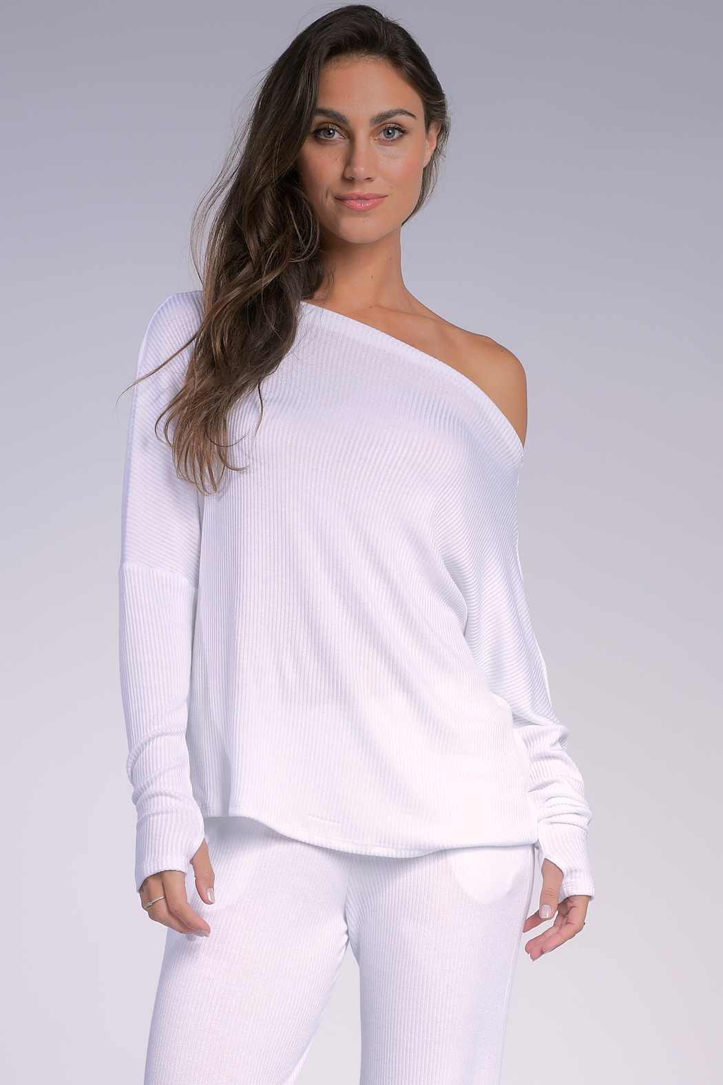 Elan  OFF SHOULDER TOP - Front Cropped Image