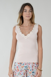 Molly Bracken TOP WITH FLOWER ACCENT - Front cropped