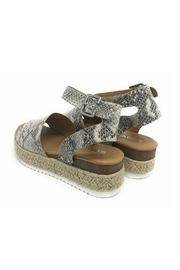 Soda Topic Snake Espadrille - Side cropped