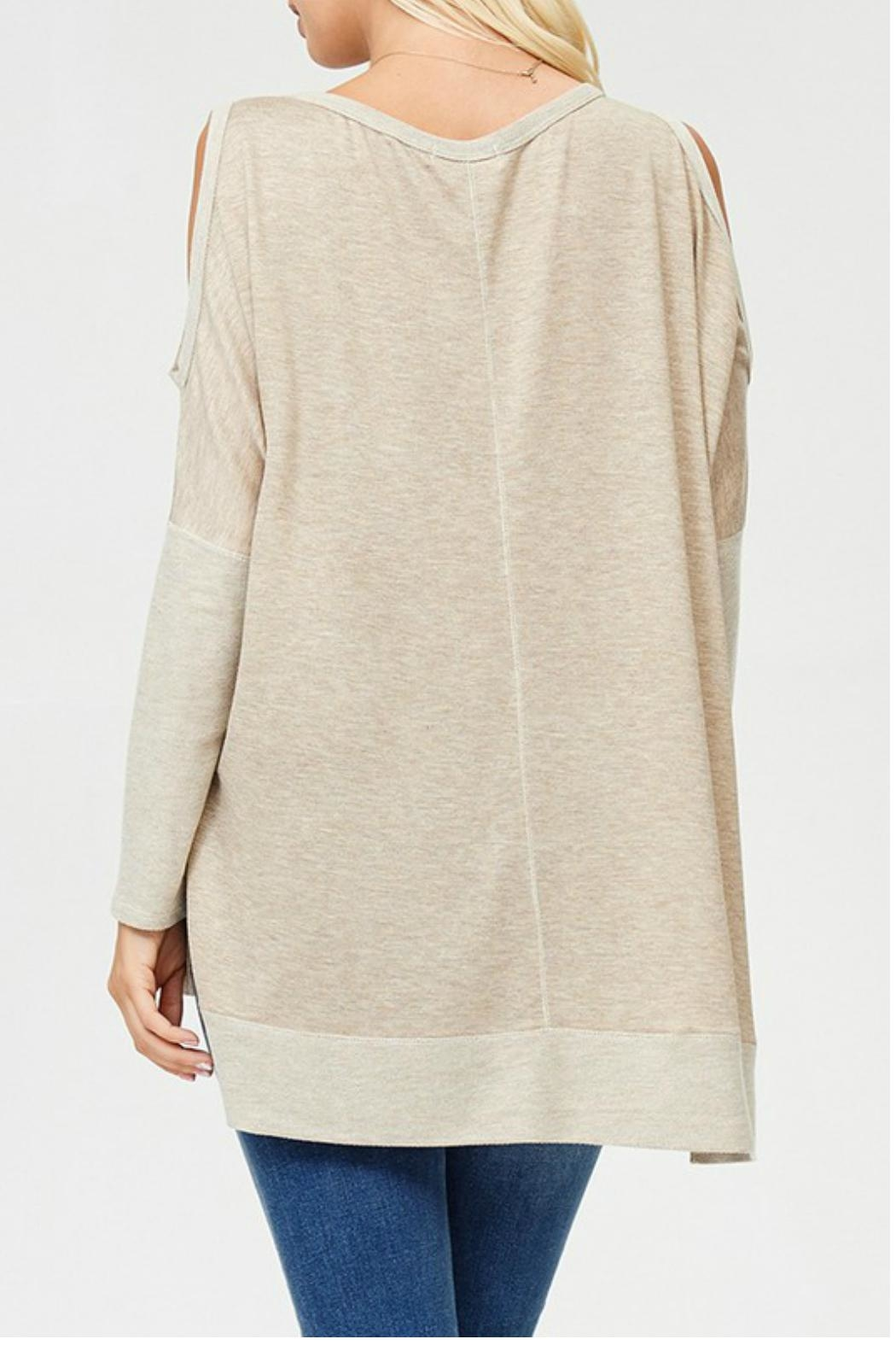 Towne Cold Shoulder Top - Side Cropped Image