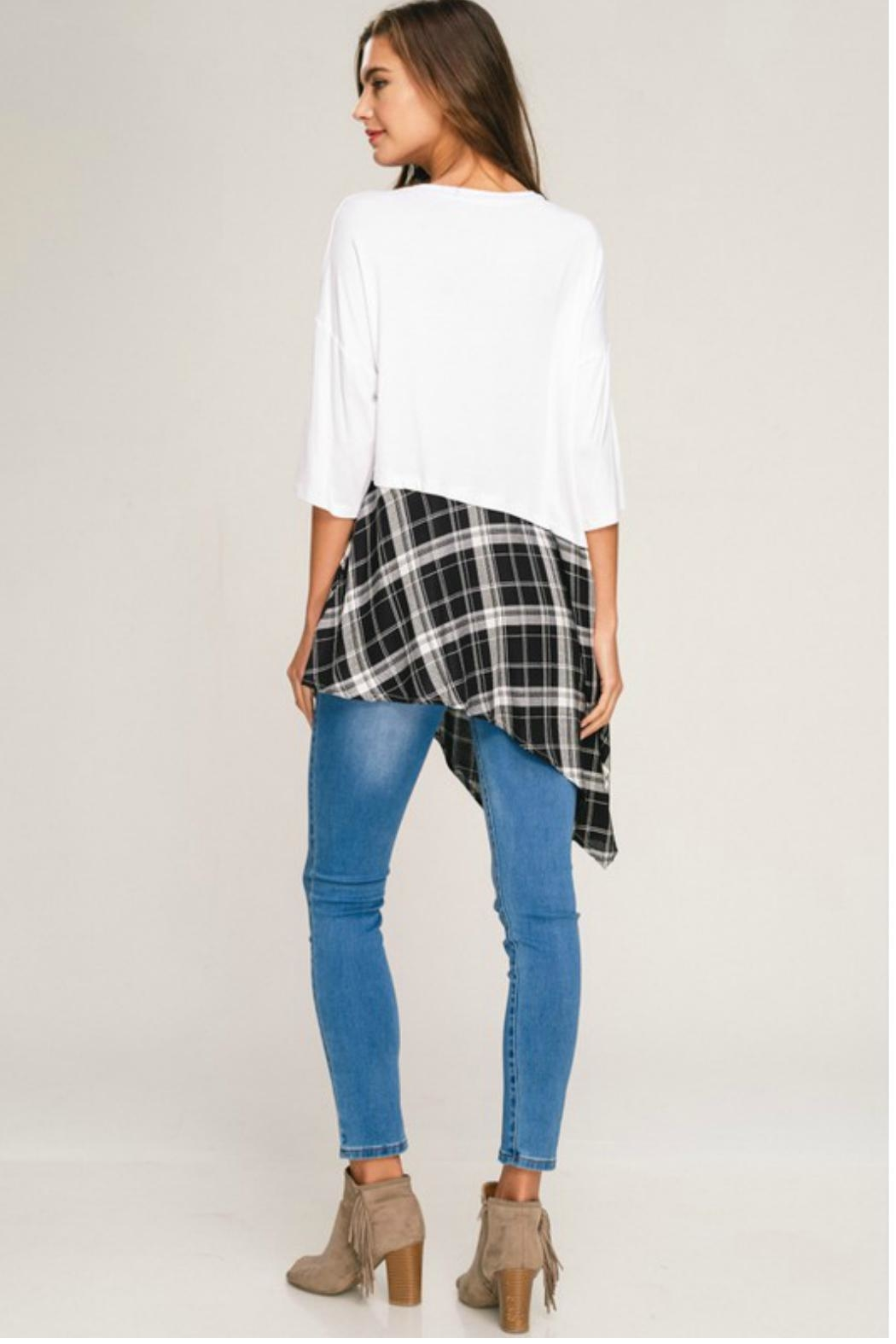 Towne Plaid Bottom Tee - Side Cropped Image