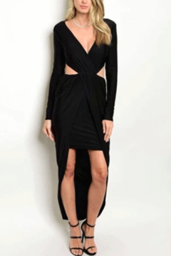 Tracie's Stunning Black Dress - Alternate List Image