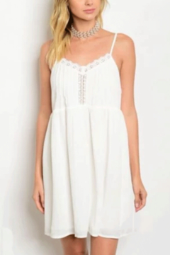 Tracie's White Summer Dress - Alternate List Image