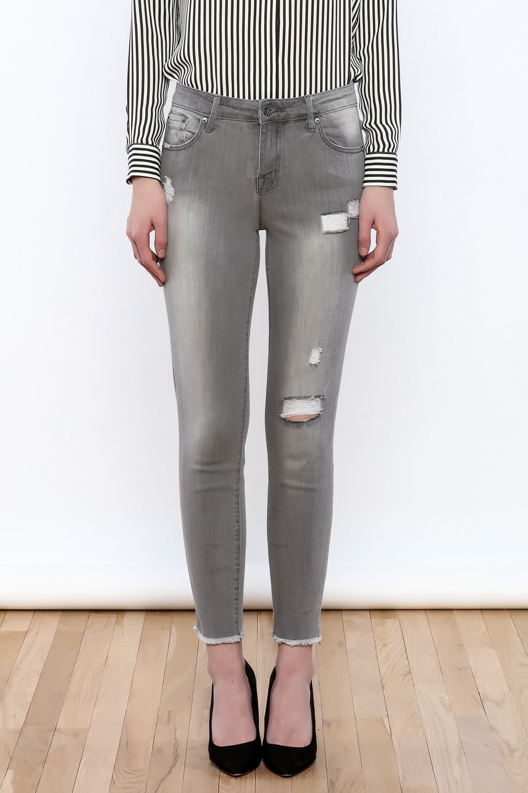 Tractr Gray Distressed Jeans - Side Cropped Image