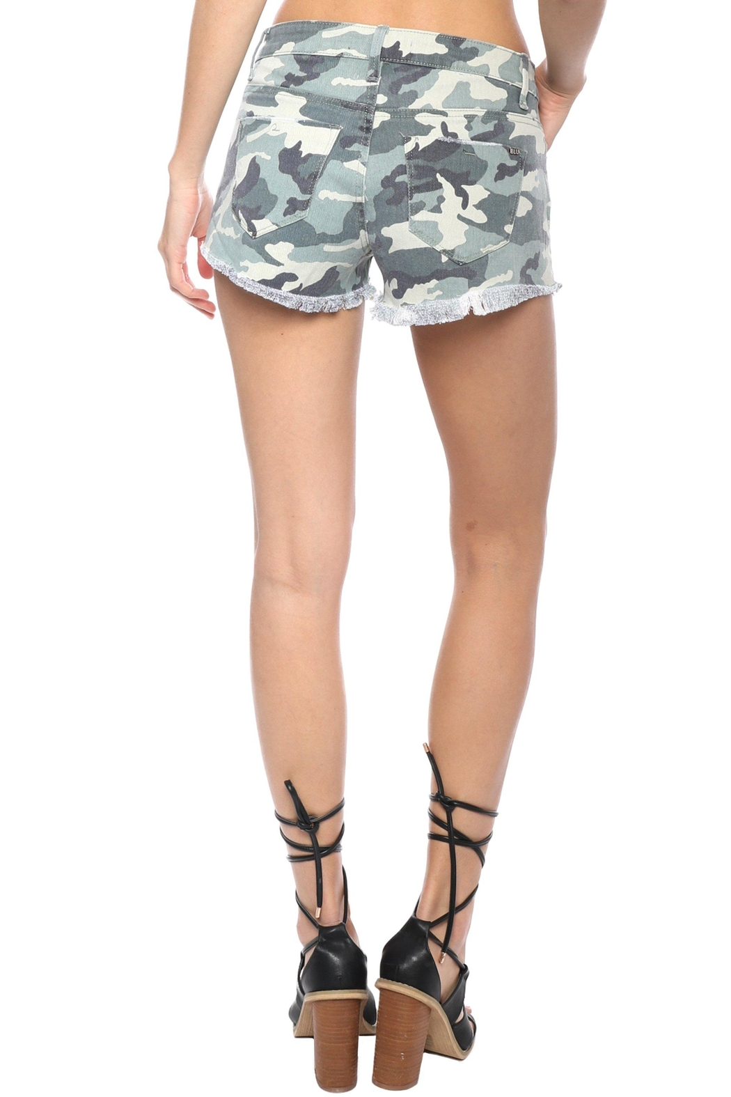 Tractr Blu Camo Short - Side Cropped Image