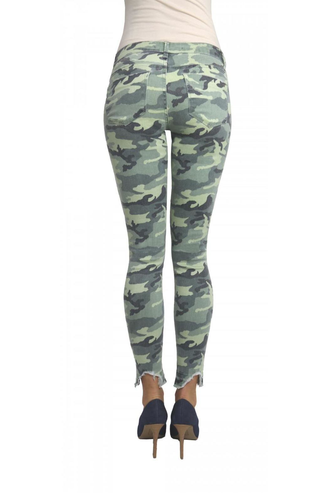 Tractr Blu Distressed Camo Jean - Side Cropped Image