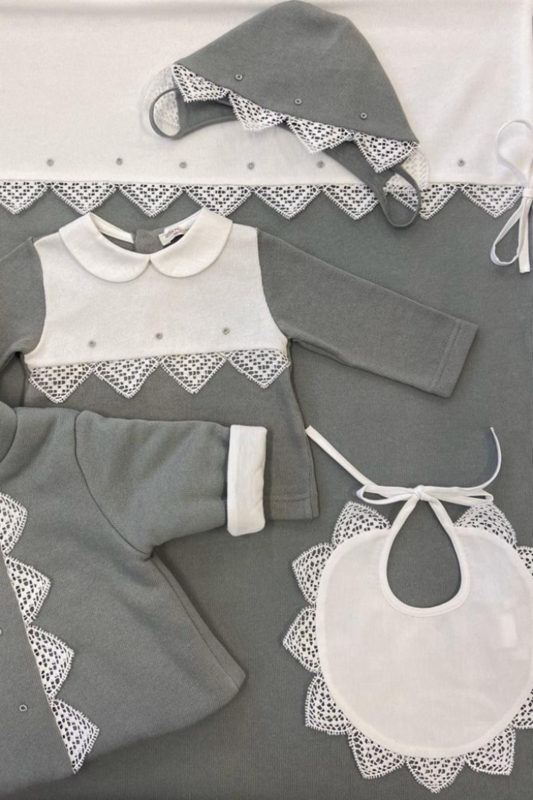 LA MASCOT  Traditional Baby Clothing - Hairloom Bibs - Front Full Image