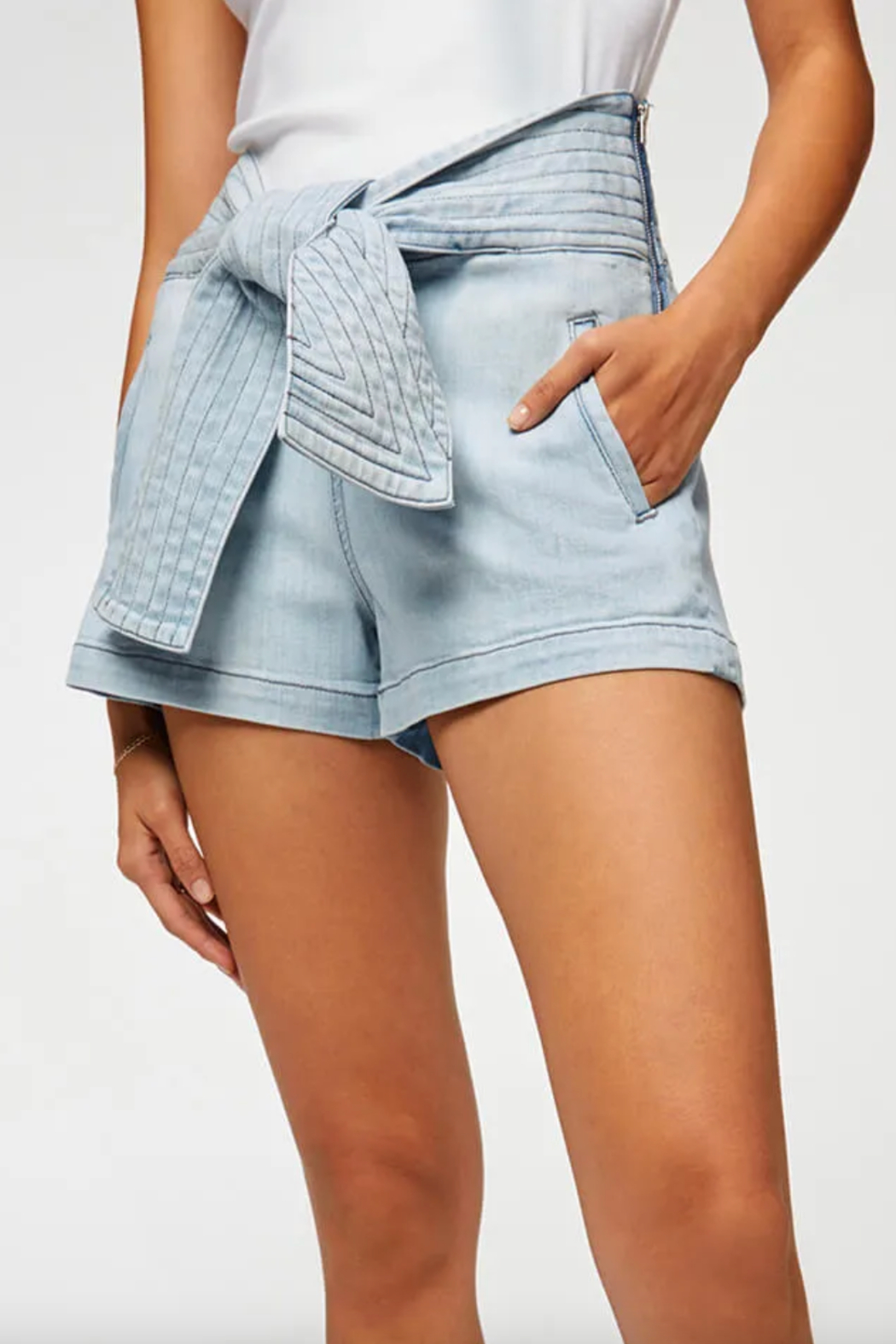 7 For all Mankind Trapunto Belted Short - Front Cropped Image