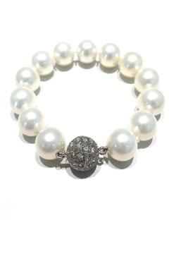 Treasures Hanover White Pearl Bracelet - Alternate List Image