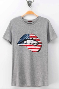 Trend:notes Americana Lip Tee - Product List Image