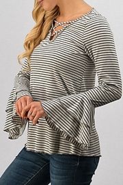 Trend:notes Criss Cross Top - Front full body