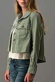 Trend:notes Crop - Front full body