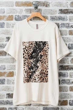 Trend:notes Leopard-Lightning Oversized T-Shirt - Alternate List Image