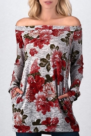 Trend:notes Roses Off Shoulder - Front cropped