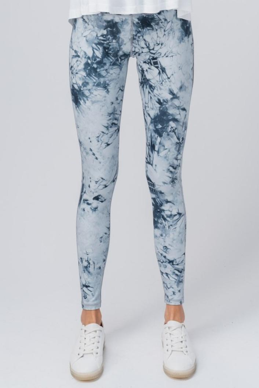 trend notes Tie Dye Leggings - Back Cropped Image