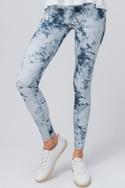 trend notes Tie Dye Leggings - Front cropped