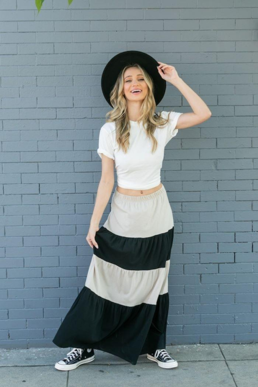 Tres Bien Color Block Tiered Maxi Skirt - Side Cropped Image