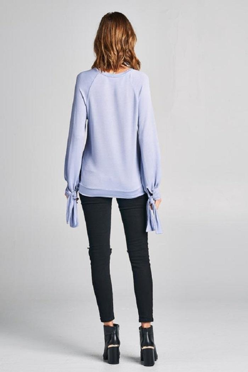 Tresics Tie Knit Top - Back Cropped Image