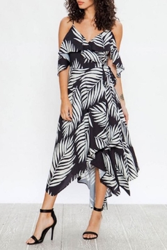 33da0b5bb3383b ... Flying Tomato Tropical Black-White Dress - Product List Image