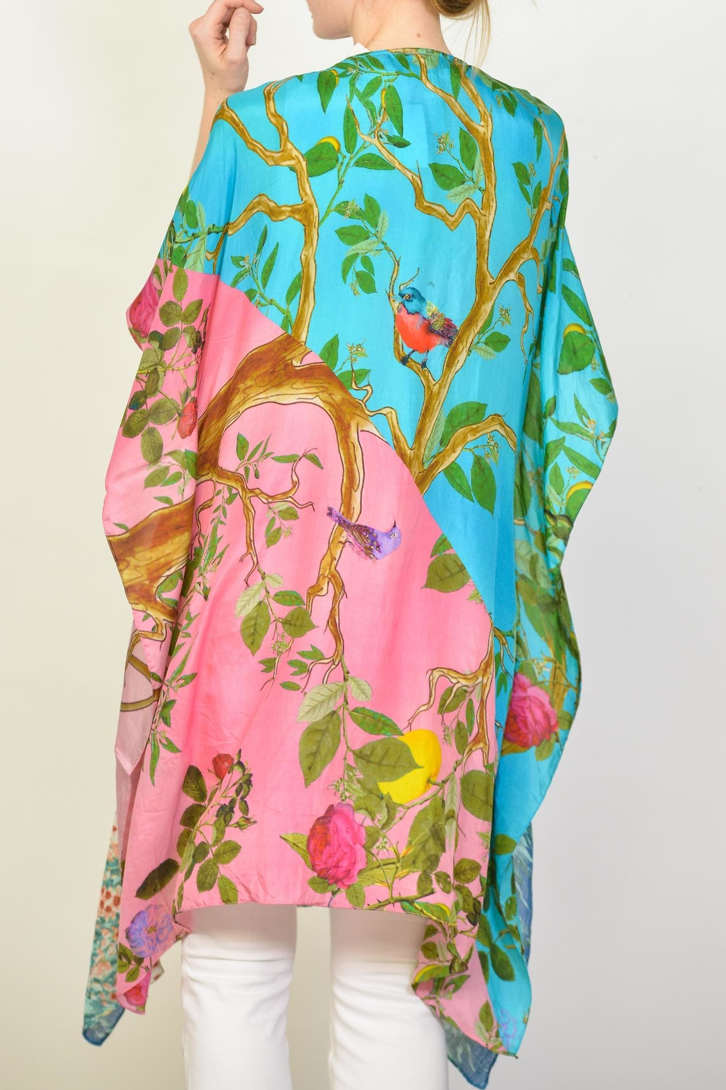 Arratta Tropical Kimono - Side Cropped Image