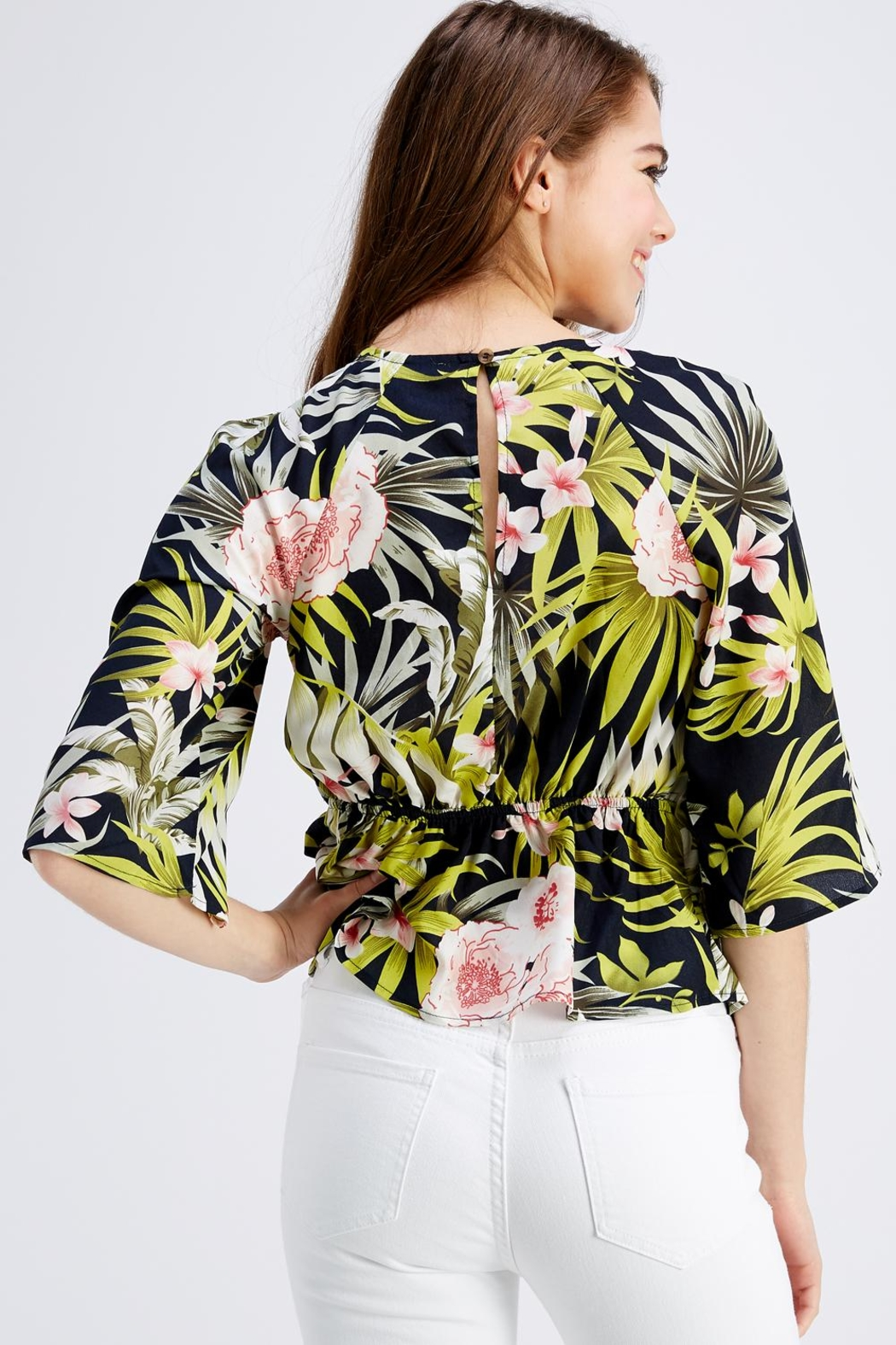Love Encounter Tropical Print Blouse - Back Cropped Image