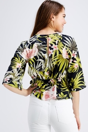 Love Encounter Tropical Print Blouse - Back cropped