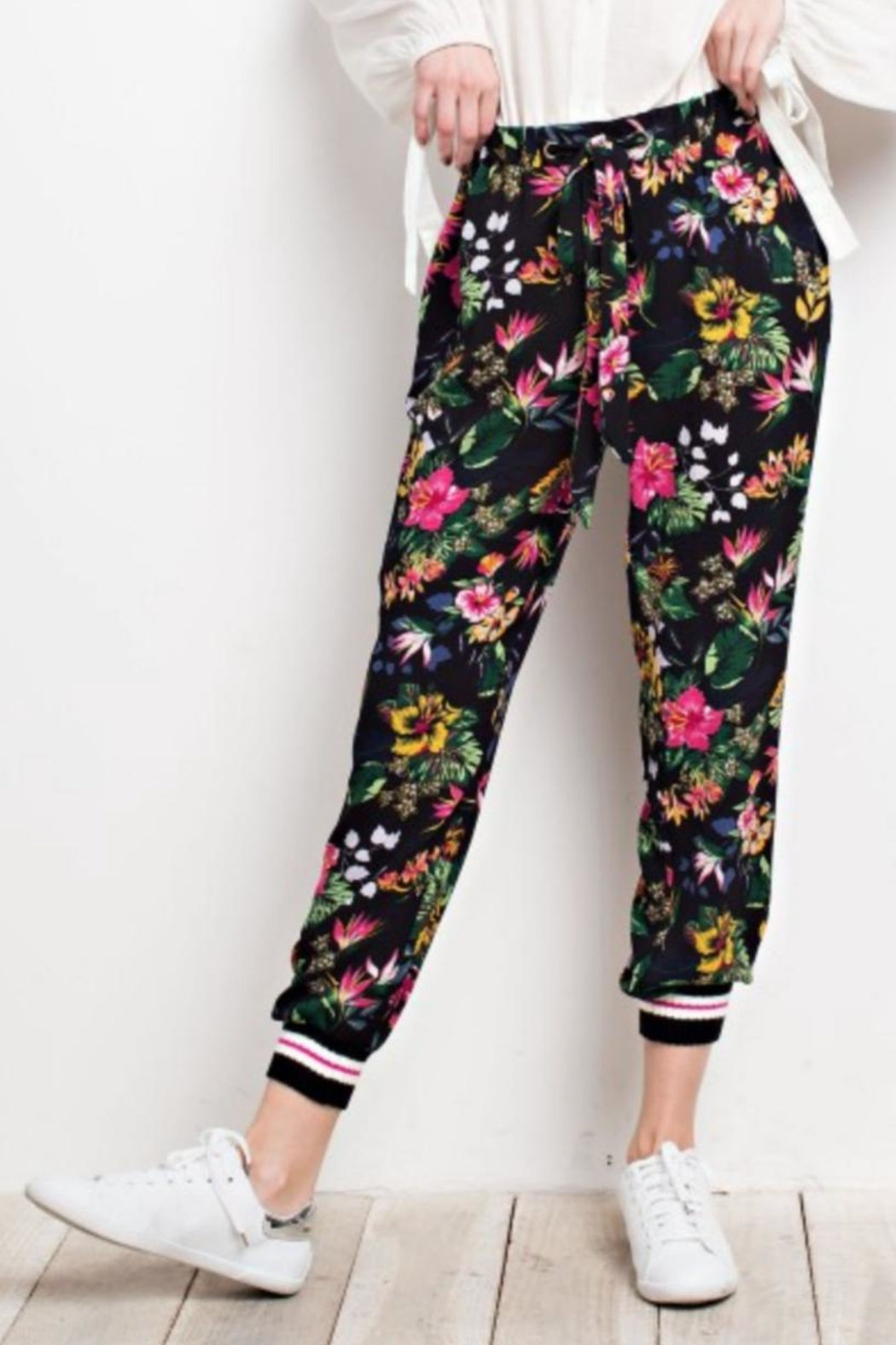 easel Tropical Print Joggers - Back Cropped Image