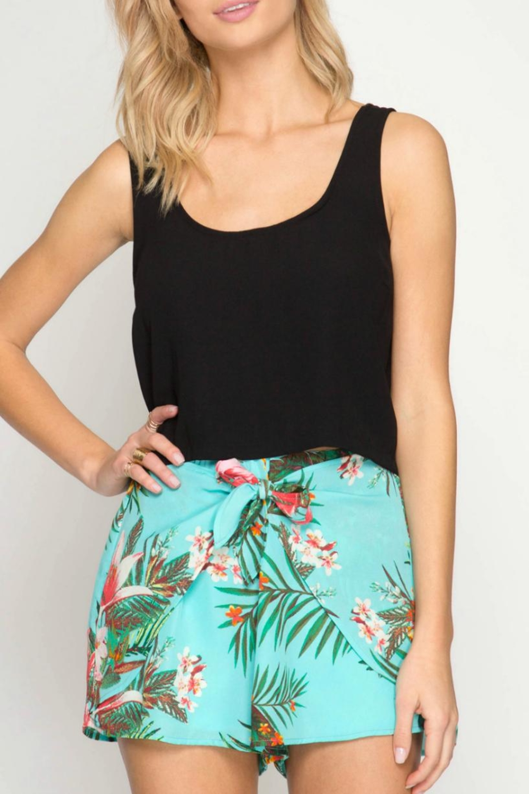 She + Sky Tropical Days shorts - Front Cropped Image
