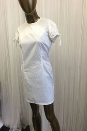 tu-anh White Cap Sleeve Asian Style Dress - Front cropped
