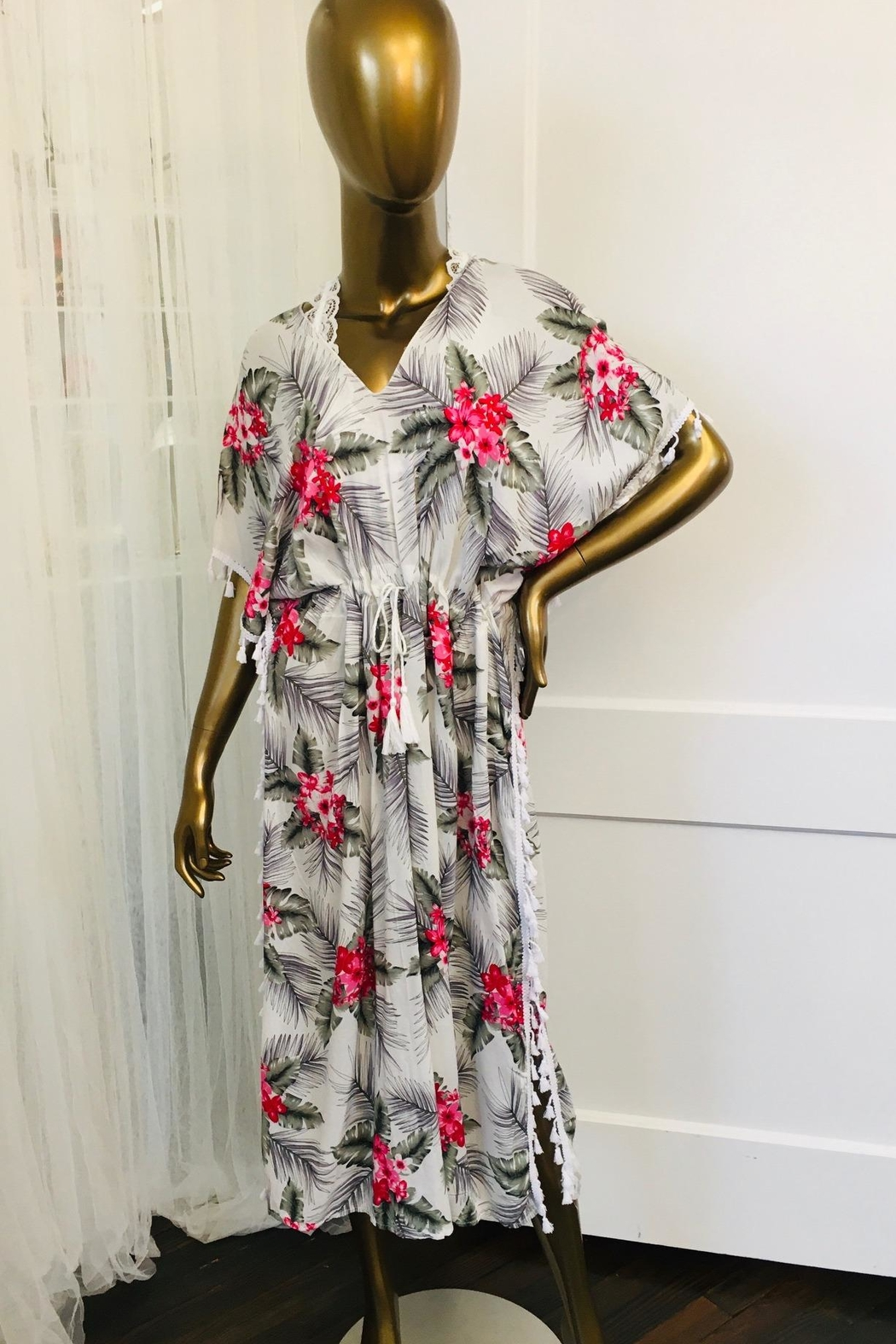 tu-anh boutique White And Pink Hawaiian Print Rayon Caftan - Front Cropped Image