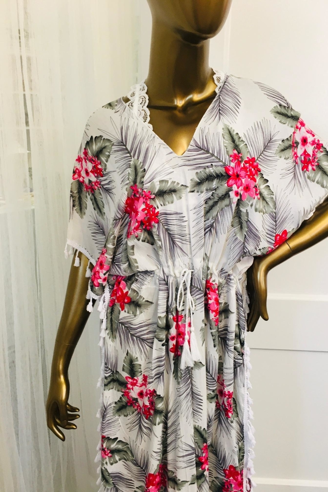 tu-anh boutique White And Pink Hawaiian Print Rayon Caftan - Front Full Image
