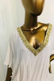 tu-anh boutique White Rayon Open Back Top With Gold Trim - Side cropped