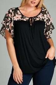 tua Black Short Sleeve Top - Product Mini Image