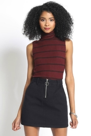 Quarter To Five Turtleneck Sleeveless Stripe - Product Mini Image