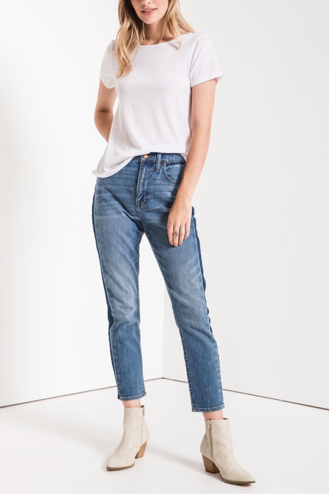 z supply Twist Back Tee - Front Cropped Image