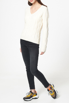 Best Mountain Twist Knit V Neck Cable Sweater - Alternate List Image