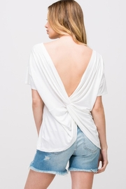 Les Amis Twist On-A-White Top - Front cropped