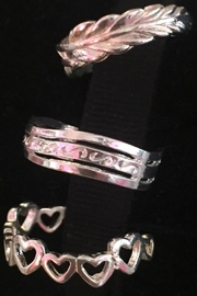 Twisted Designs Sterling-Silver Heart Toe-Ring - Front full body