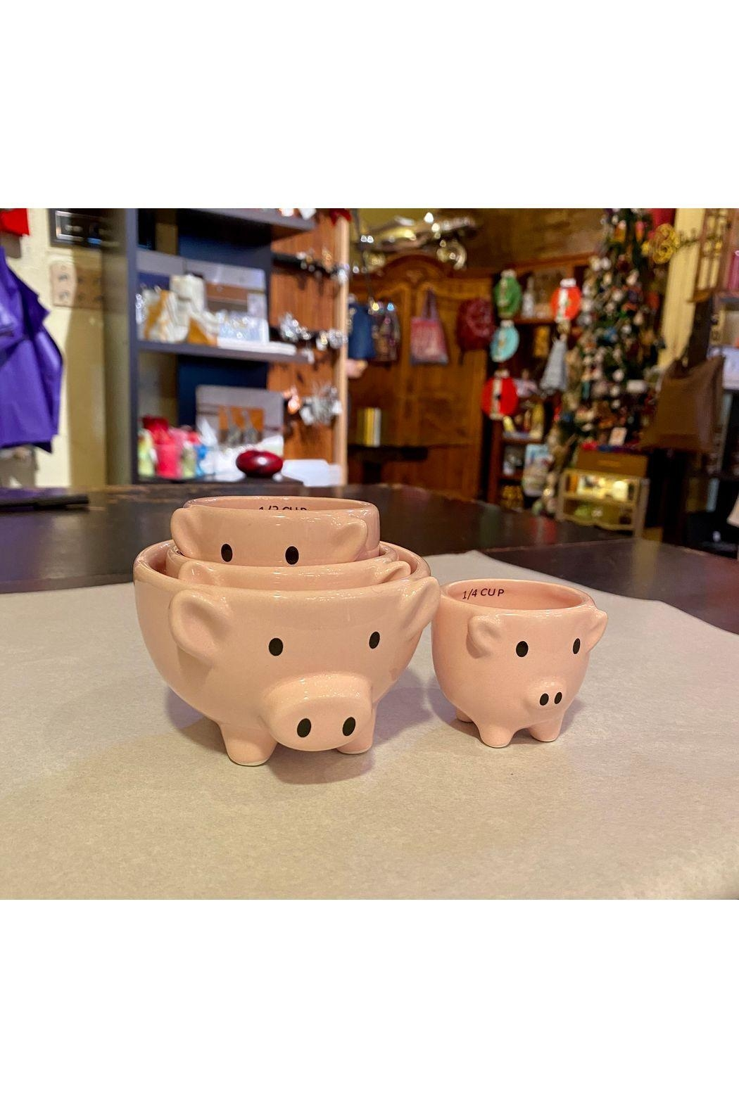Two's Company Piglet Measuring Cups - Main Image