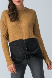 Trend:notes Two-Tone-Color-Block Sweater - Product Mini Image
