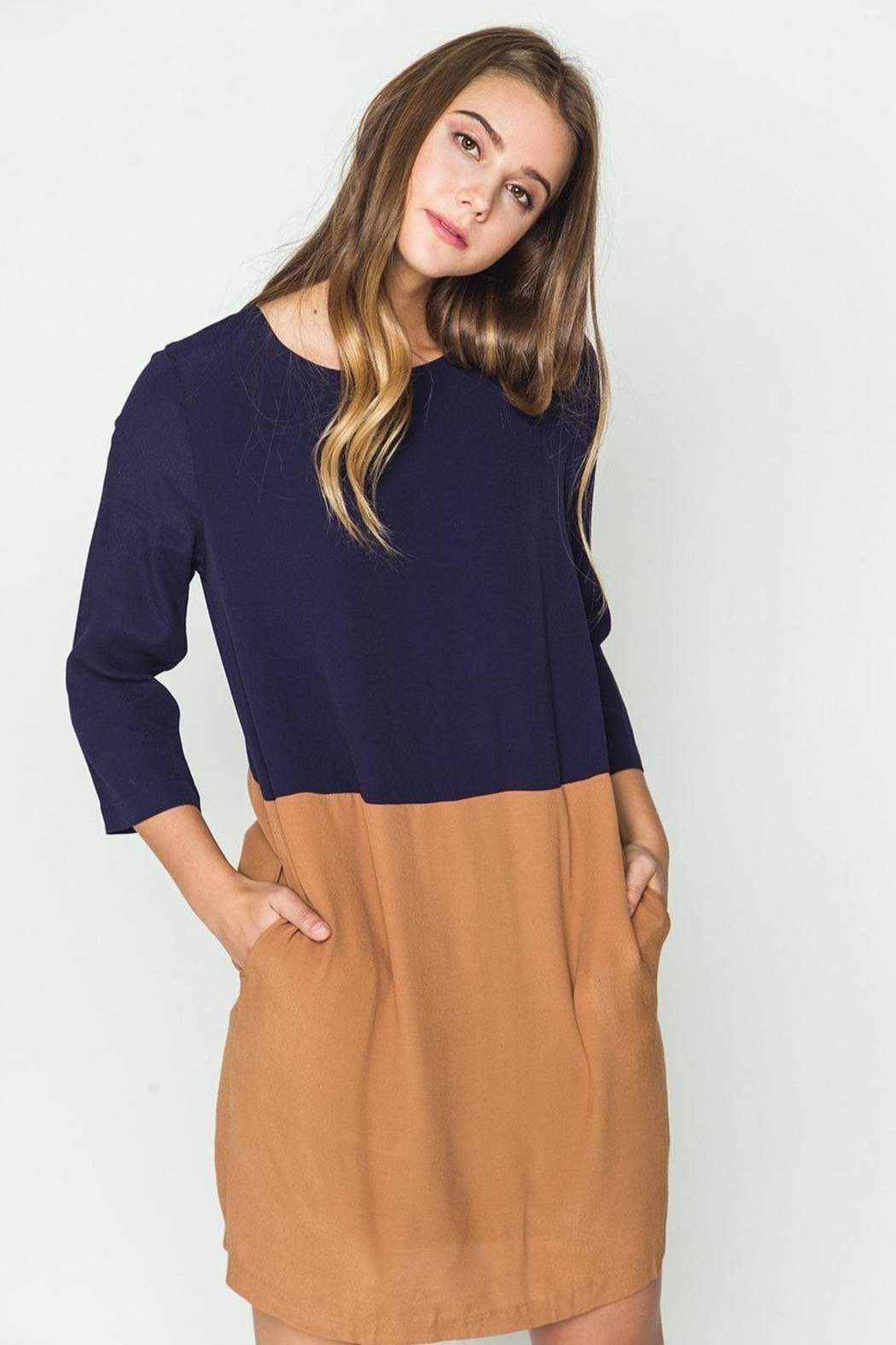 mo:vint Two Tone Dress - Side Cropped Image