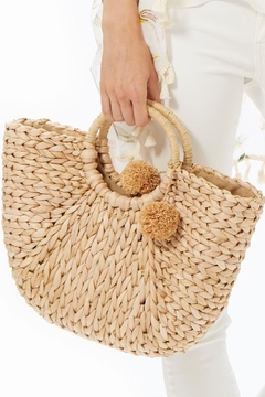 Two Chic Natural Straw Bag - Alternate List Image