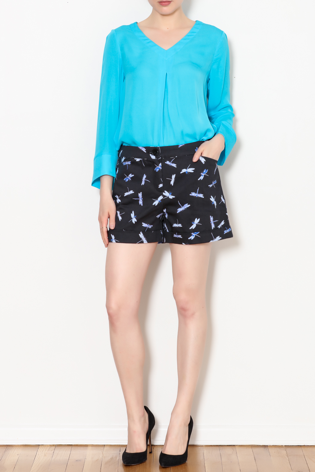 Tyler Boe Dragonfly Print Shorts - Side Cropped Image