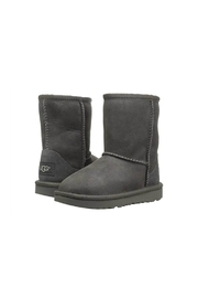 Ugg K Classic II - Side cropped