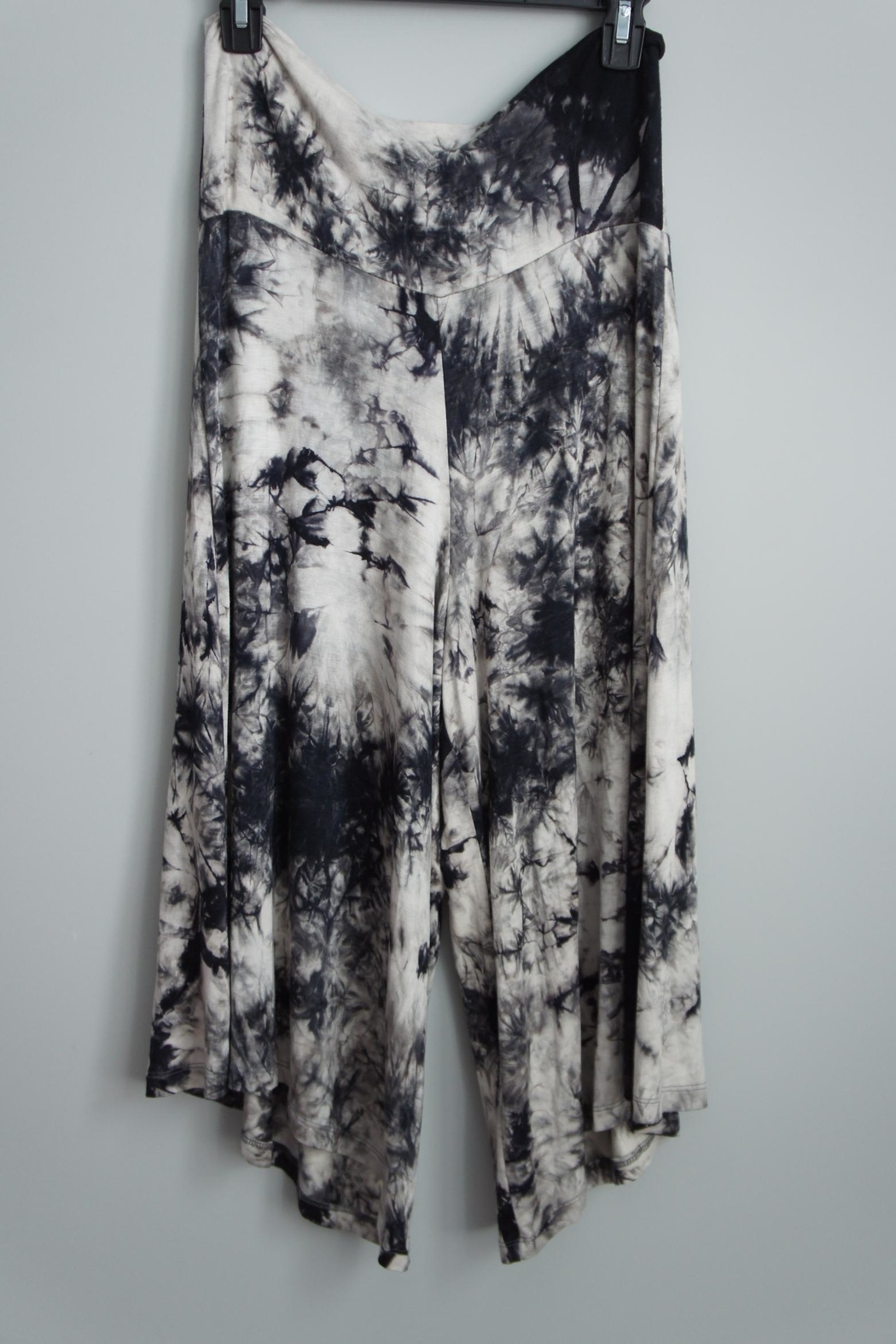 Uj Tie-Dye Gaucho Pants - Front Cropped Image