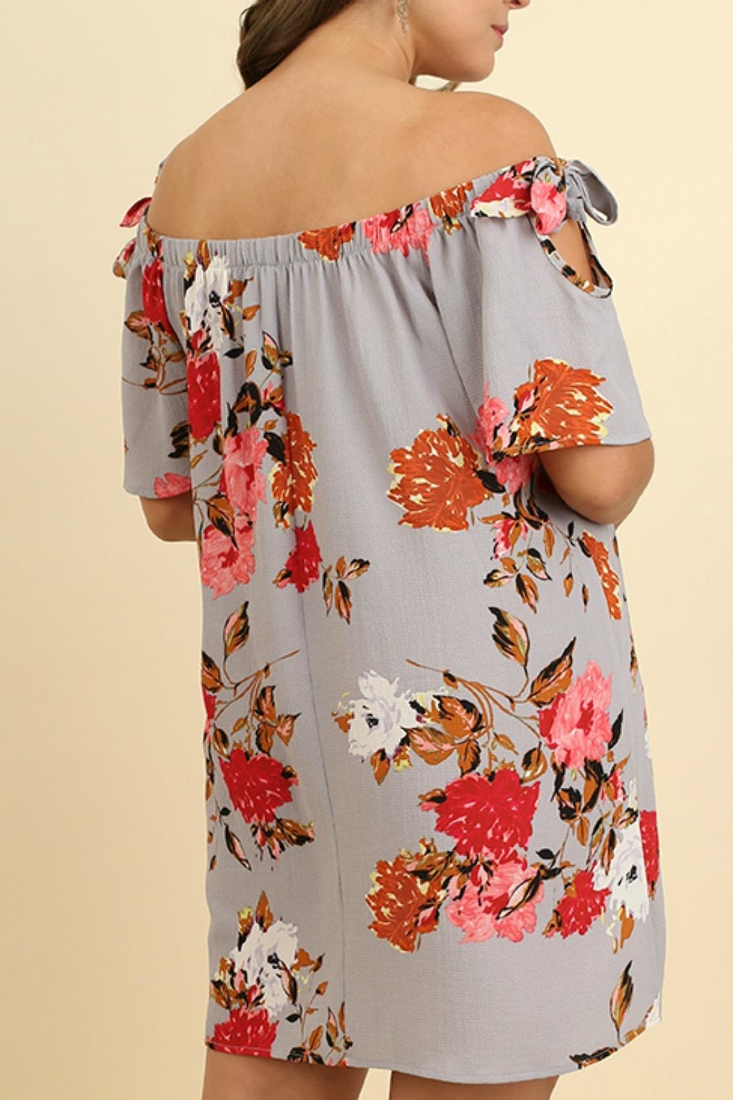 UMG PLUS Floral Shift Off-Shoulder - Back Cropped Image
