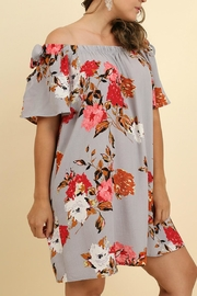 UMG PLUS Floral Shift Off-Shoulder - Side cropped