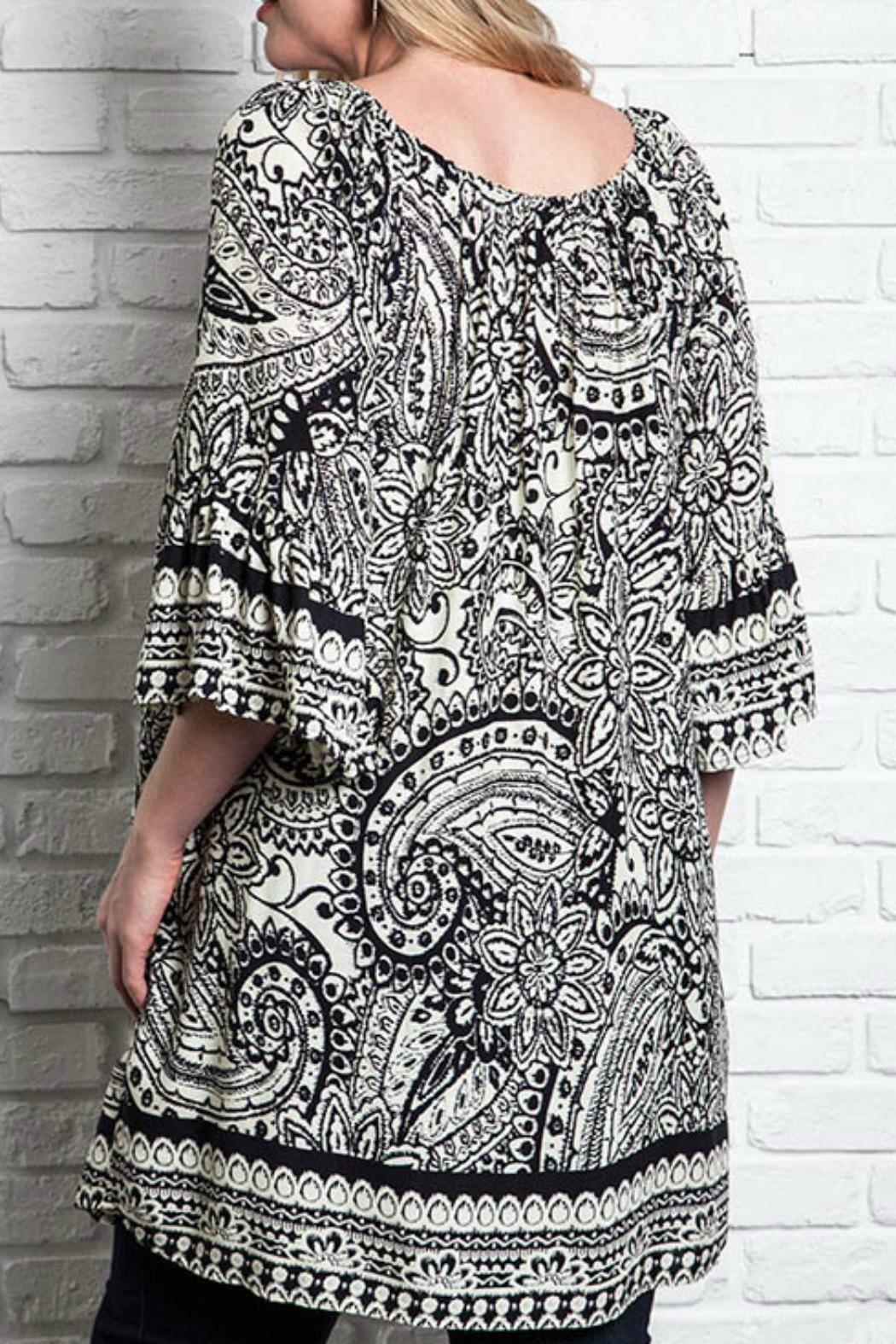 UMG PLUS Paisley Shift Plus Top - Side Cropped Image