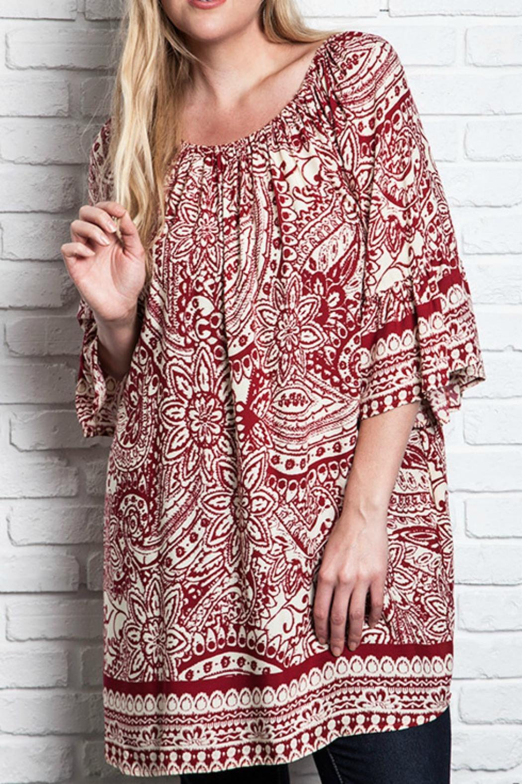 UMG PLUS Paisley Shift Plus Top - Front Cropped Image