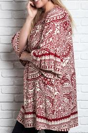 UMG PLUS Paisley Shift Plus Top - Side cropped